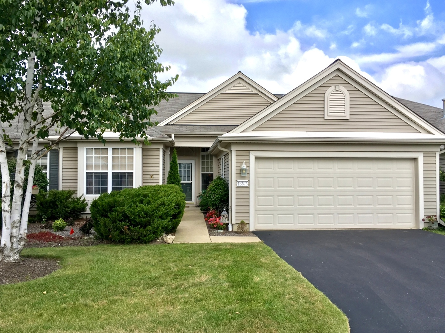 Photo for 13676 Briargate Drive, HUNTLEY, IL 60142 (MLS # 10136676)