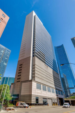 Photo of 333 N Canal Street, Unit Number 2104, CHICAGO, IL 60606 (MLS # 10143502)