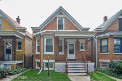 Photo of 2725 W Nelson Street, CHICAGO, IL 60618 (MLS # 10146914)