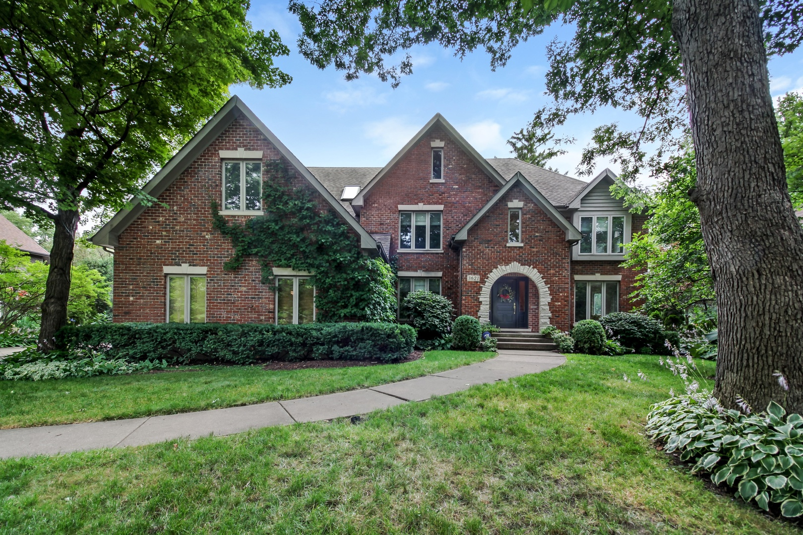 Photo for 3621 Sterling Road, DOWNERS GROVE, IL 60515 (MLS # 10147795)