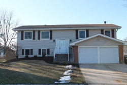 Photo of 1435 Hassell Place, HOFFMAN ESTATES, IL 60169 (MLS # 10151501)