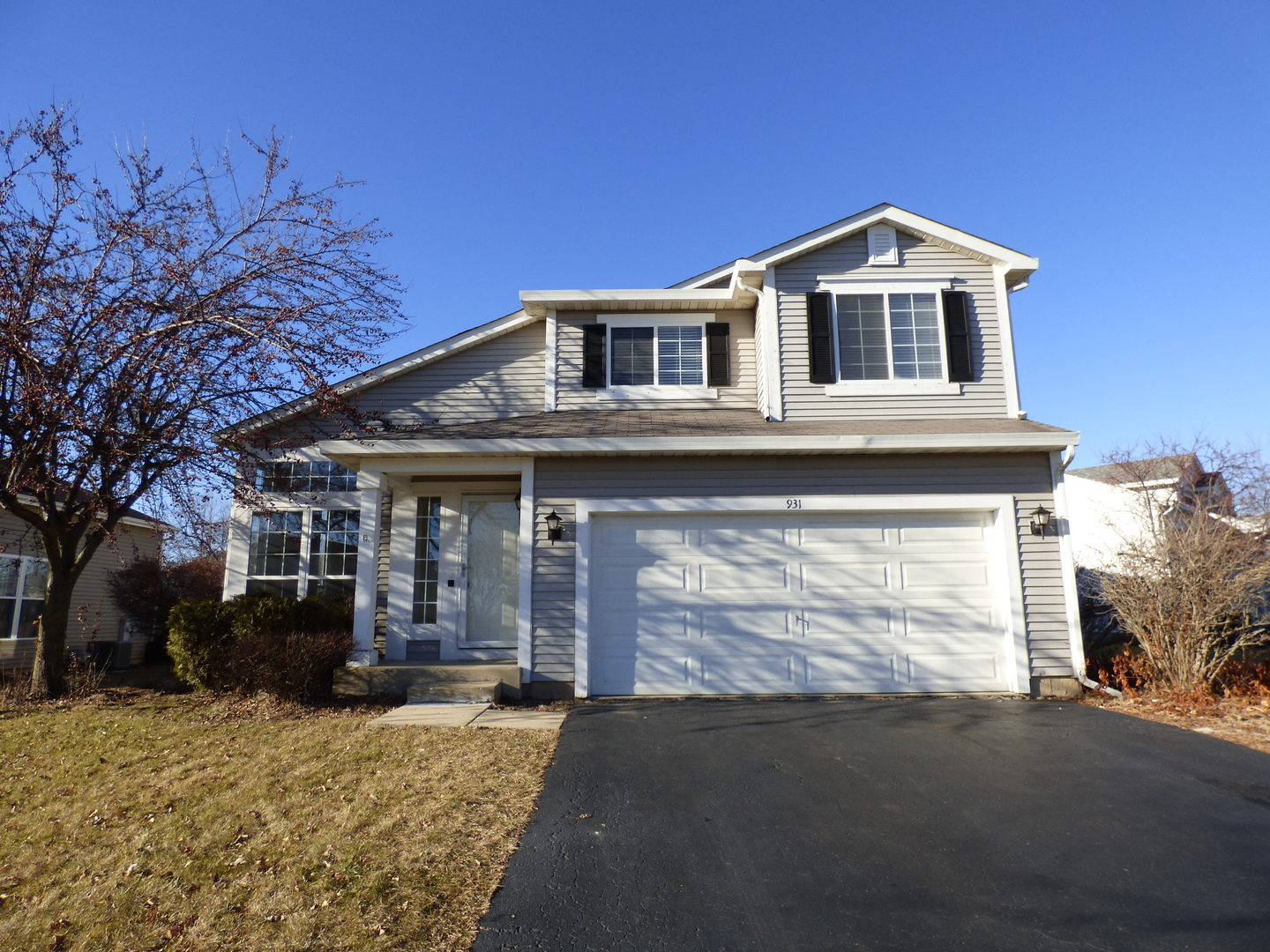Photo for 931 Provence Place, LAKE IN THE HILLS, IL 60156 (MLS # 10157066)
