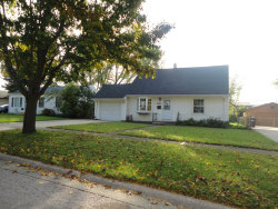 Photo of 270 Hickory Drive, CRYSTAL LAKE, IL 60014 (MLS # 10163043)