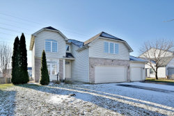 Photo of 209 Cascade Drive, CRYSTAL LAKE, IL 60012 (MLS # 10165610)