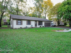 Photo of 2907 S Riverside Drive, MCHENRY, IL 60050 (MLS # 10165870)