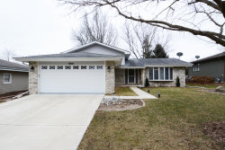 Photo of 860 E Lawrence Avenue, WEST CHICAGO, IL 60185 (MLS # 10167973)