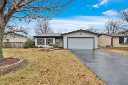 Photo of 926 Valley View Trail, CAROL STREAM, IL 60188 (MLS # 10168158)