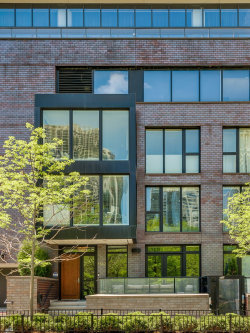 Photo of 192 N Park Drive, CHICAGO, IL 60601 (MLS # 10169829)