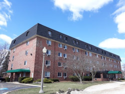 Photo of 5011 Valley Lane, Unit Number 506, STREAMWOOD, IL 60107 (MLS # 10248887)