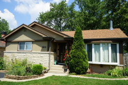 Photo of 800 E Oakton Street, ARLINGTON HEIGHTS, IL 60004 (MLS # 10249080)