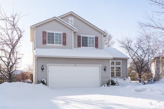 Photo for 8 Wright Court, LAKE IN THE HILLS, IL 60156 (MLS # 10264669)