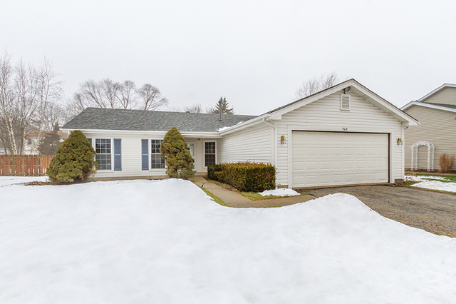 Photo for 945 Thornewood Lane, ALGONQUIN, IL 60102 (MLS # 10265572)