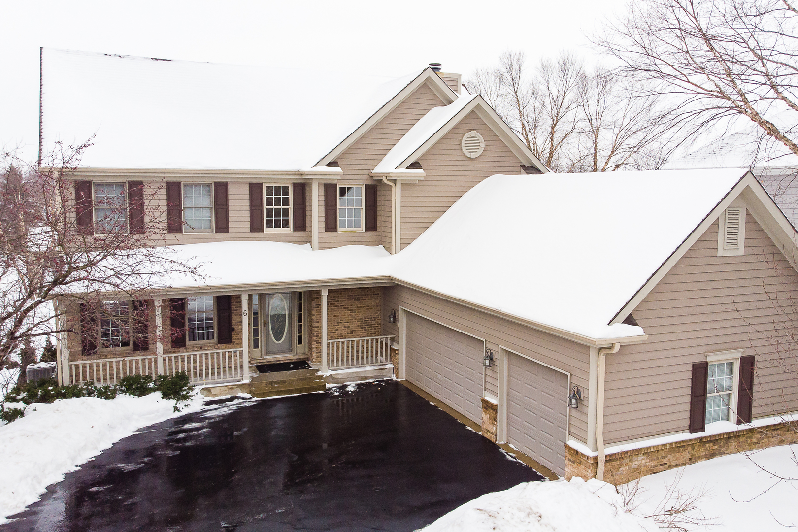 Photo for 6 Shadow Creek Court, LAKE IN THE HILLS, IL 60156 (MLS # 10266012)