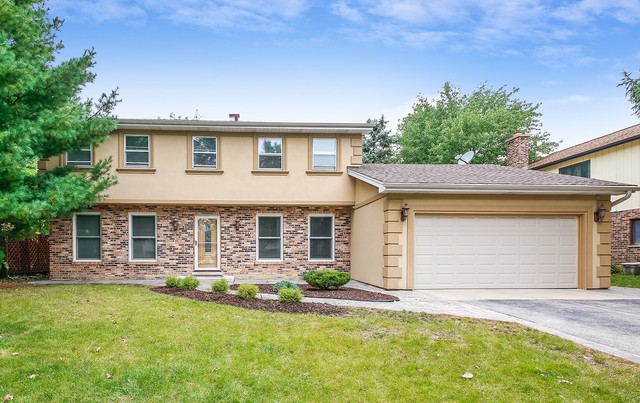 Photo for 1250 Oak Hill Road, DOWNERS GROVE, IL 60515 (MLS # 10266698)