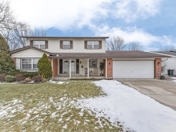 Photo of 639 Chelmsford Lane, ELK GROVE VILLAGE, IL 60007 (MLS # 10273311)
