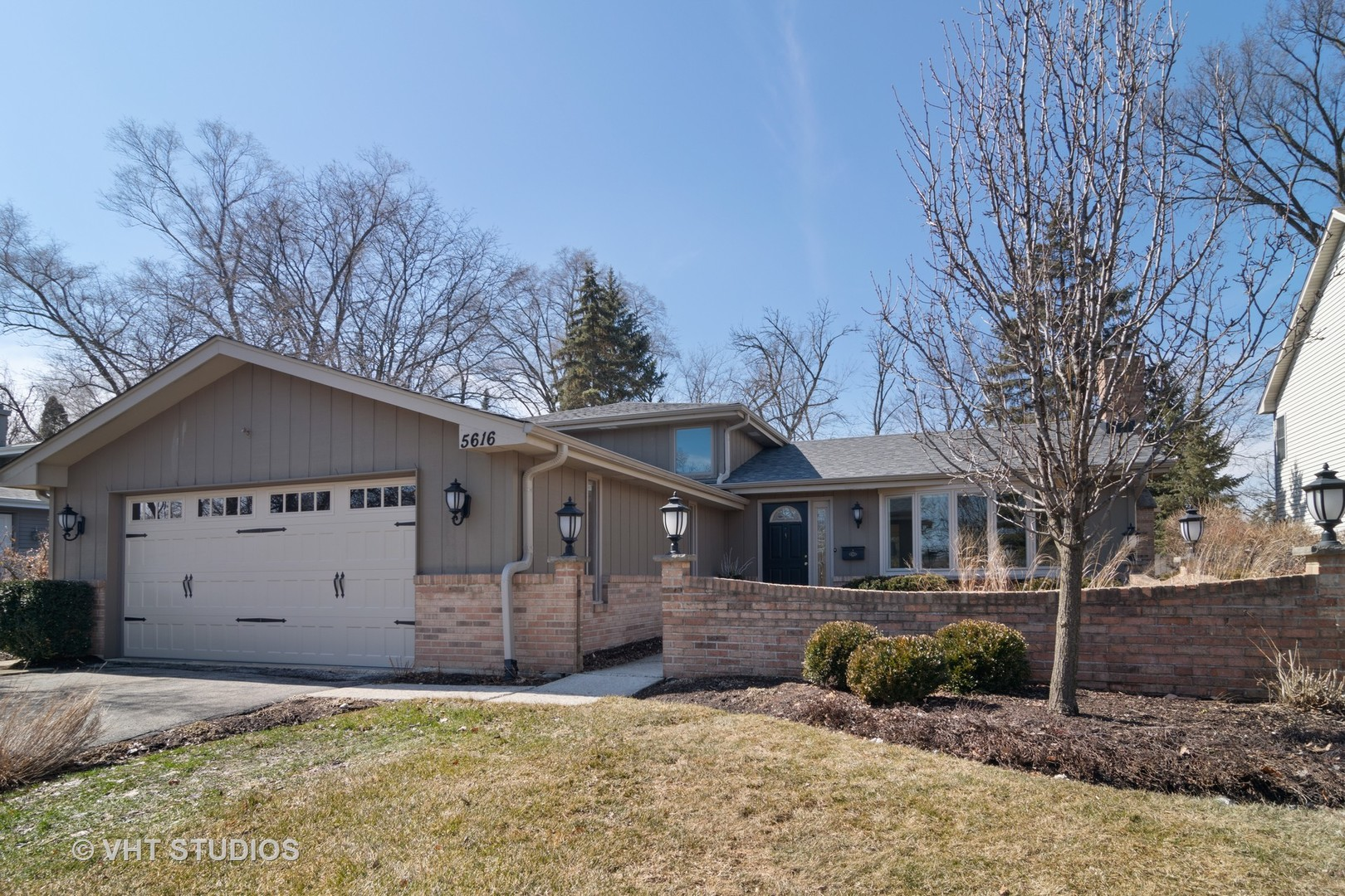 Photo for 5616 Main Street, DOWNERS GROVE, IL 60516 (MLS # 10306596)