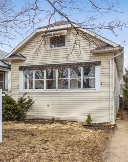 Photo of 4719 N Leamington Avenue, CHICAGO, IL 60630 (MLS # 10308376)