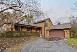 Photo of 18 Mayfair Lane, LINCOLNSHIRE, IL 60069 (MLS # 10311981)