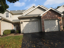 Photo of 194 Golfview Drive, GLENDALE HEIGHTS, IL 60139 (MLS # 10314582)