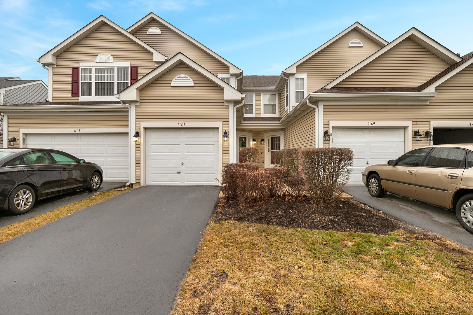 Photo for 1167 Heartland Gate, LAKE IN THE HILLS, IL 60156 (MLS # 10316452)