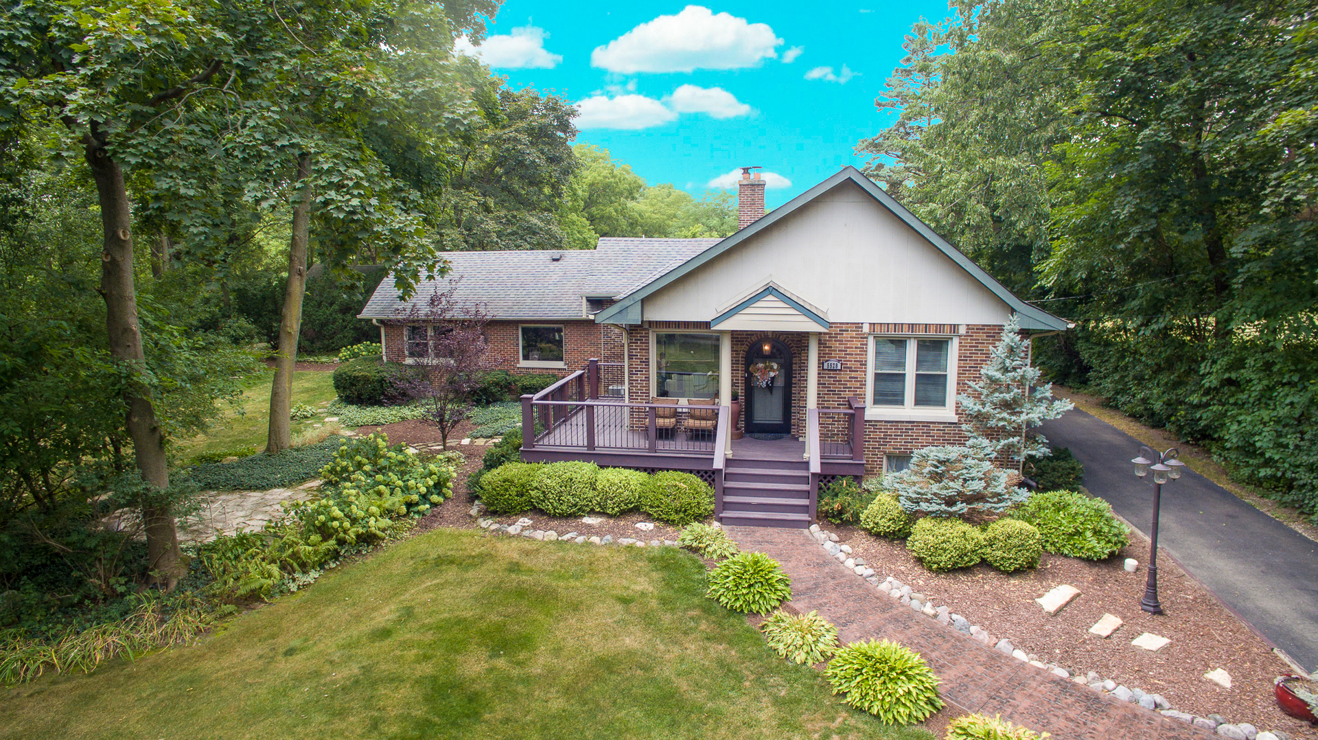 Photo for 5528 Fairview Avenue, DOWNERS GROVE, IL 60516 (MLS # 10344833)