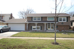 Photo of 1140 Leicester Road, ELK GROVE VILLAGE, IL 60007 (MLS # 10346622)