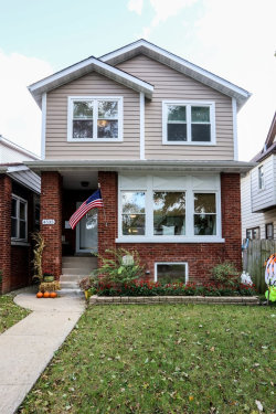 Photo of 4535 N Lowell Avenue, CHICAGO, IL 60630 (MLS # 10348729)