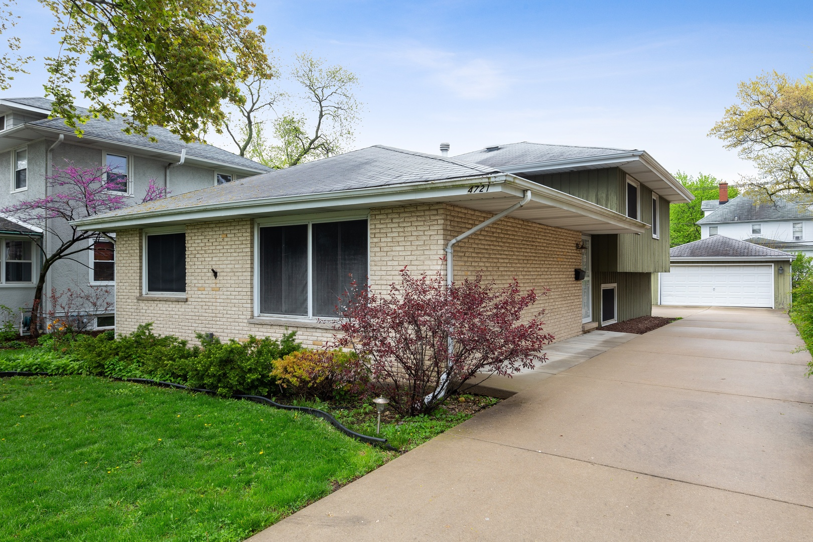 Photo for 4721 Main Street, DOWNERS GROVE, IL 60515 (MLS # 10361128)