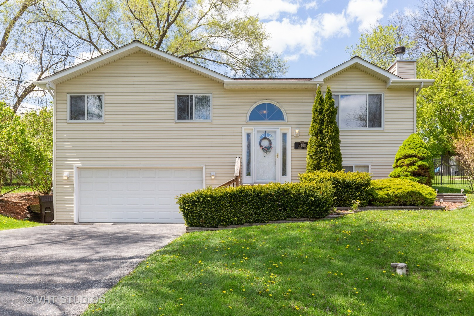 Photo for 2408 Ridge Road, CARY, IL 60013 (MLS # 10378456)