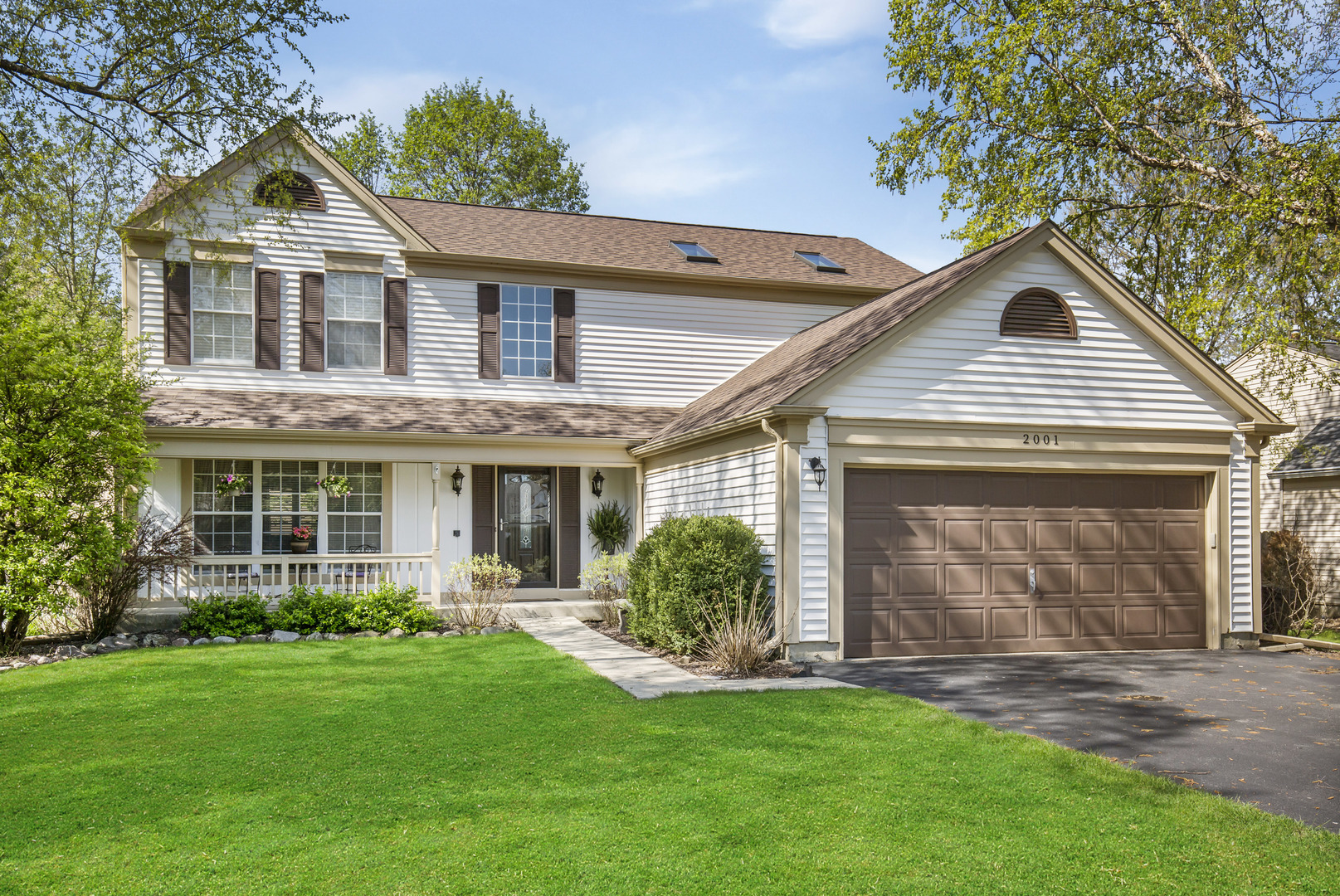 Photo for 2001 Cumberland Parkway, ALGONQUIN, IL 60102 (MLS # 10379695)