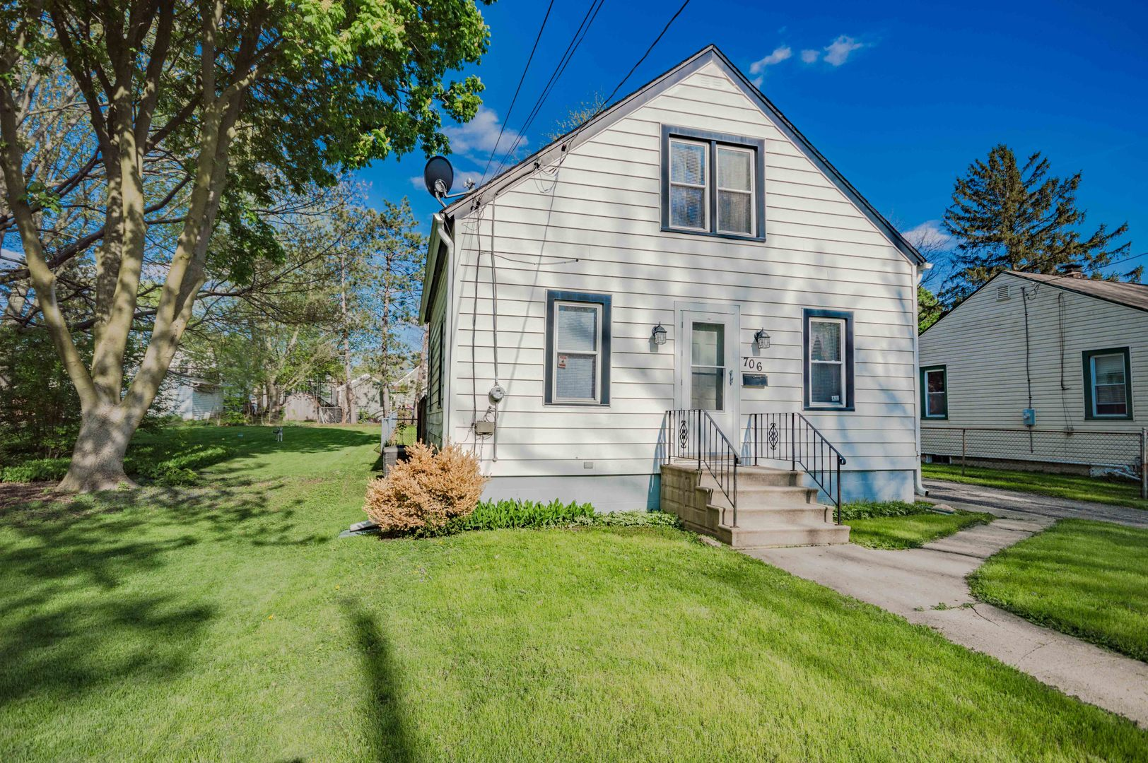 Photo for 706 Carlson Street, SYCAMORE, IL 60178 (MLS # 10381609)