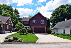 Photo of 401 S 13th Avenue, ST. CHARLES, IL 60174 (MLS # 10383425)