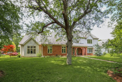 Photo of 6 Aintree Road, ST. CHARLES, IL 60174 (MLS # 10383902)