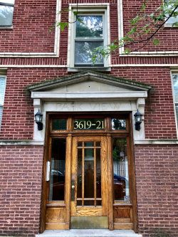 Photo of 3621 W Byron Street, Unit Number G, CHICAGO, IL 60618 (MLS # 10390942)