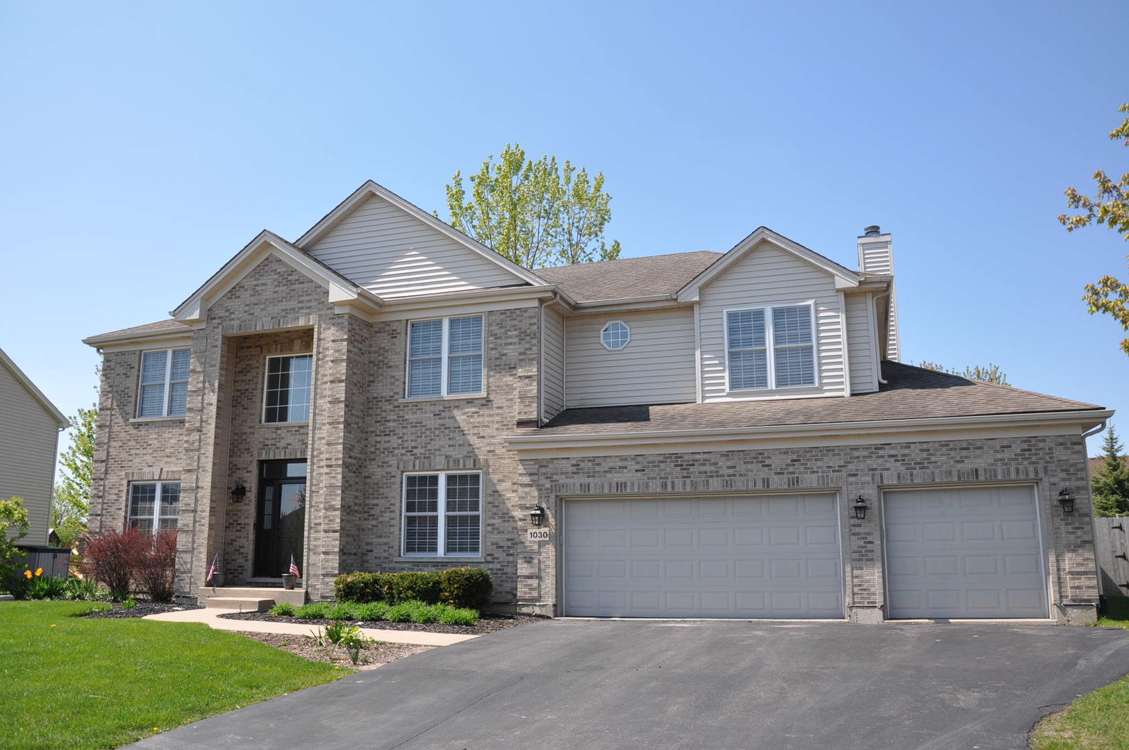 Photo for 1030 Estancia Lane, ALGONQUIN, IL 60102 (MLS # 10393949)