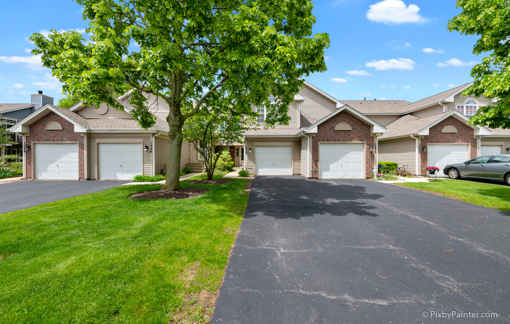 Photo for 1328 Shawford Way, ELGIN, IL 60120 (MLS # 10398492)