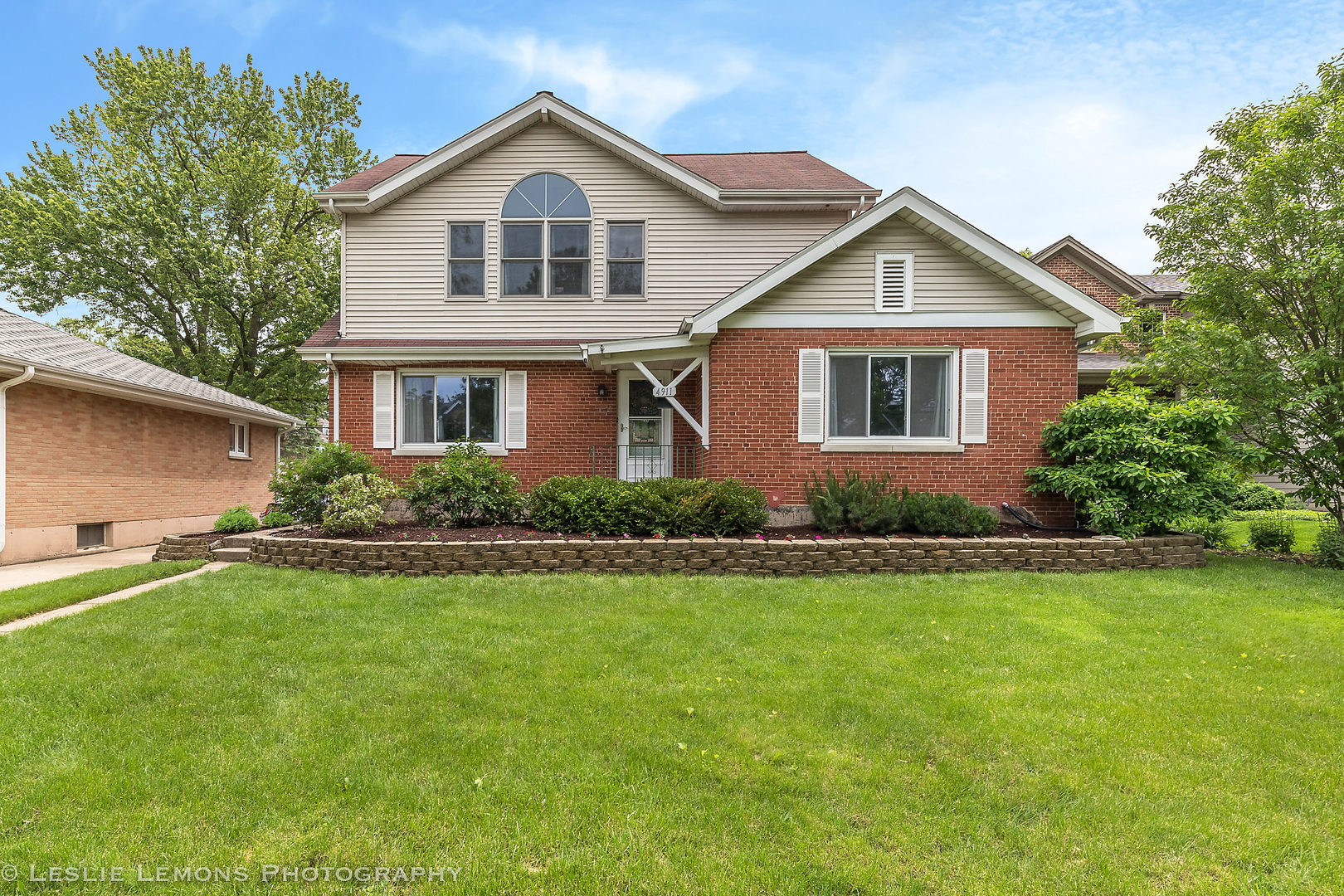 Photo for 4911 Stanley Avenue, DOWNERS GROVE, IL 60515 (MLS # 10407578)