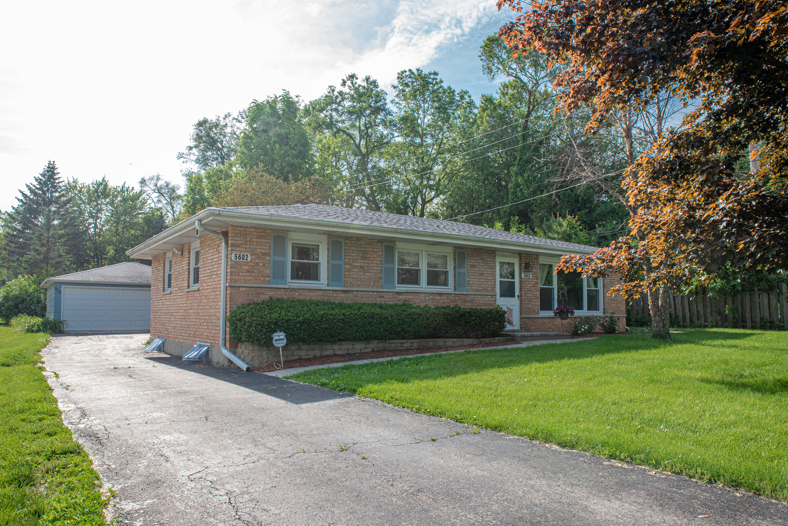 Photo for 5602 Woodward Avenue, DOWNERS GROVE, IL 60516 (MLS # 10410792)