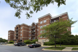 Photo of 3451 N Carriageway Drive, Unit Number 309, ARLINGTON HEIGHTS, IL 60004 (MLS # 10413579)
