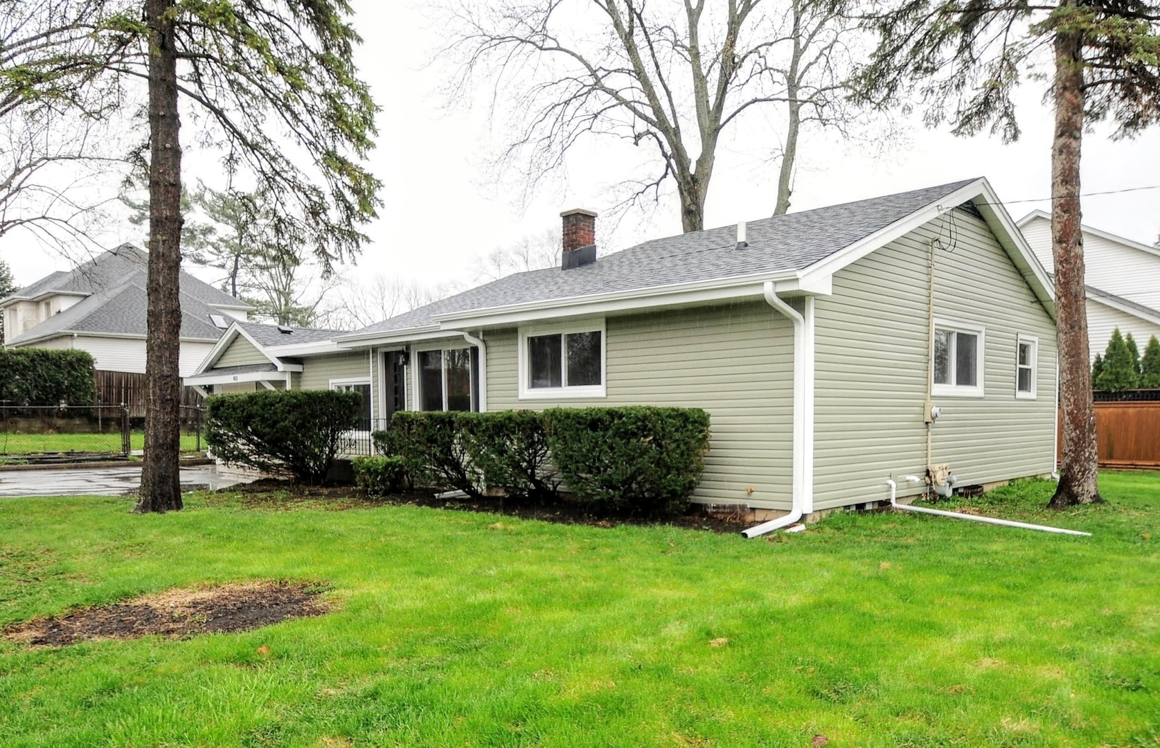 Photo for 4501 Roslyn Road, DOWNERS GROVE, IL 60515 (MLS # 10413681)