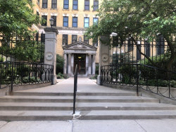 Photo of 559 W Surf Street, Unit Number 306, CHICAGO, IL 60657 (MLS # 10419472)