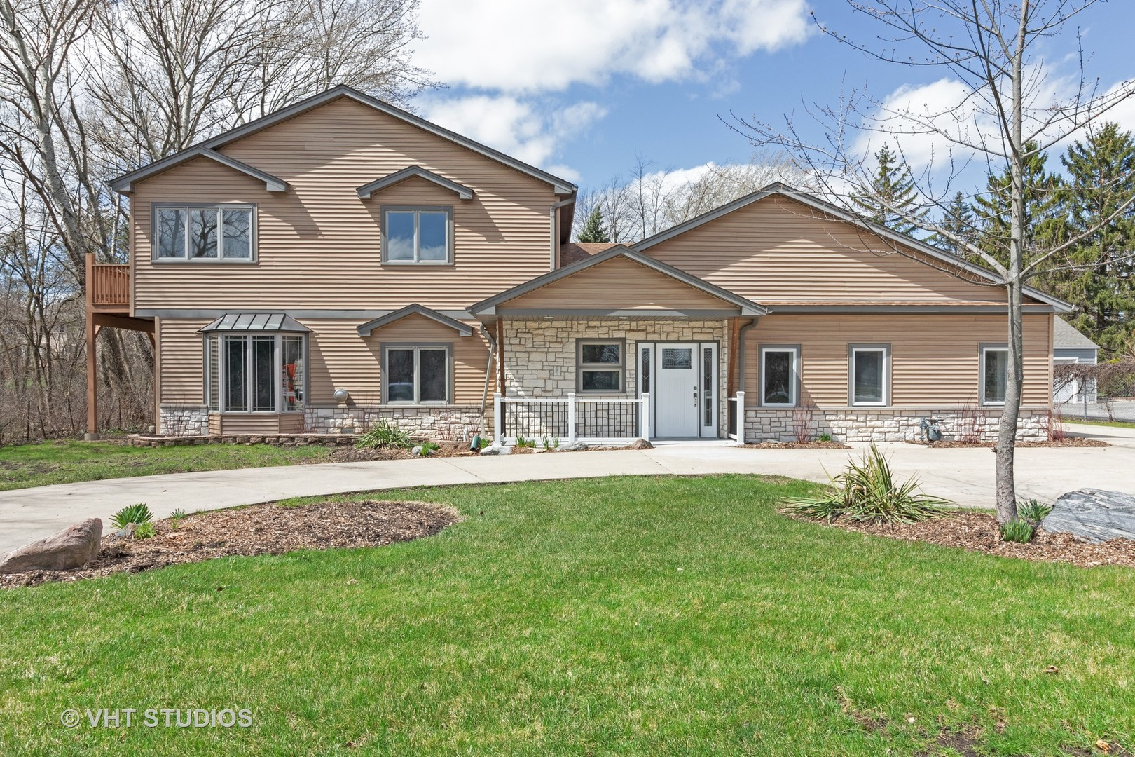 Photo for 6110 Fairview Avenue, DOWNERS GROVE, IL 60516 (MLS # 10439629)