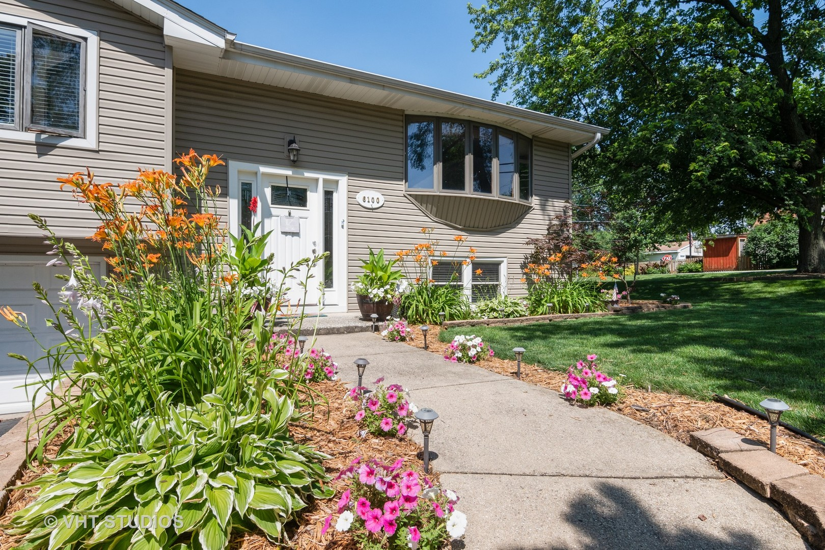 Photo for 6100 Chase Avenue, DOWNERS GROVE, IL 60516 (MLS # 10445288)