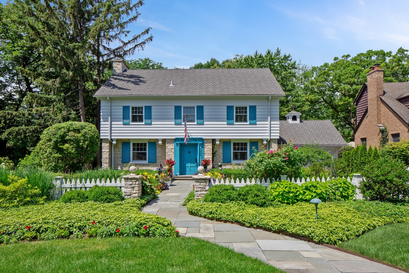 Photo for 4822 Northcott Avenue, DOWNERS GROVE, IL 60515 (MLS # 10446771)