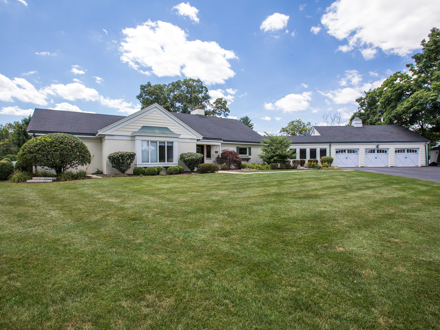 Photo for 6N158 Sulky Road, Wayne, IL 60184 (MLS # 10448746)