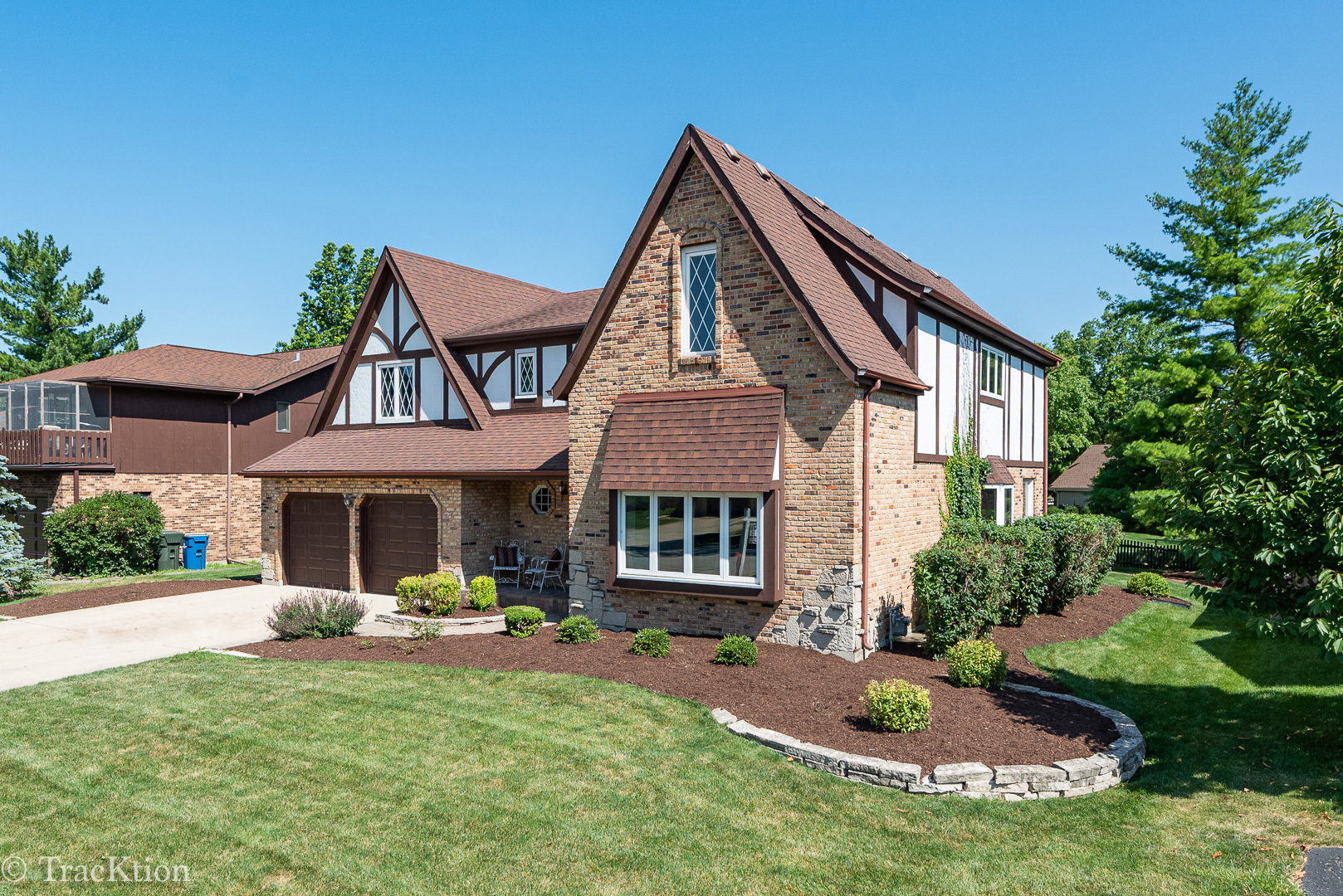 Photo for 830 Claremont Drive, DOWNERS GROVE, IL 60516 (MLS # 10449781)