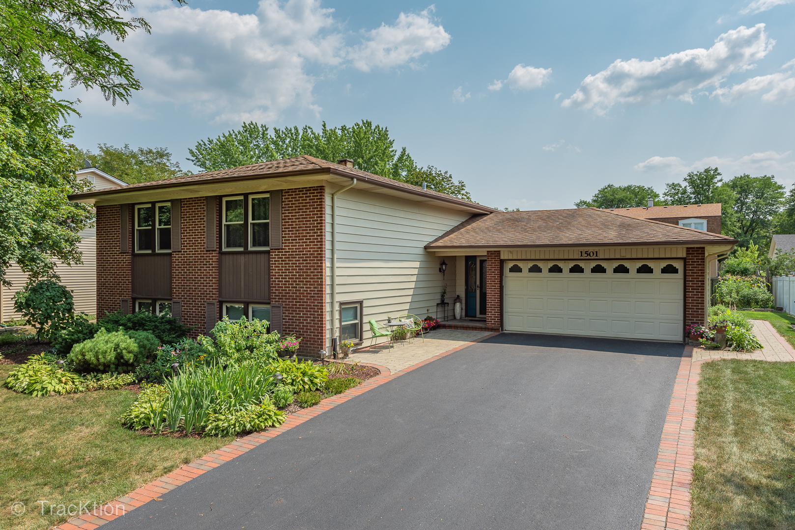 Photo for 1501 Concord Drive, DOWNERS GROVE, IL 60516 (MLS # 10451106)