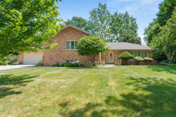 Photo of 155 St Francis Court, BLOOMINGDALE, IL 60108 (MLS # 10452202)