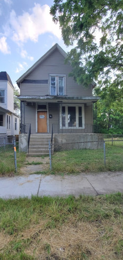 Photo of 546 W 61st Place, CHICAGO, IL 60621 (MLS # 10457700)