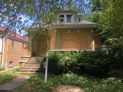 Photo of 2847 N New England Avenue, CHICAGO, IL 60634 (MLS # 10457702)